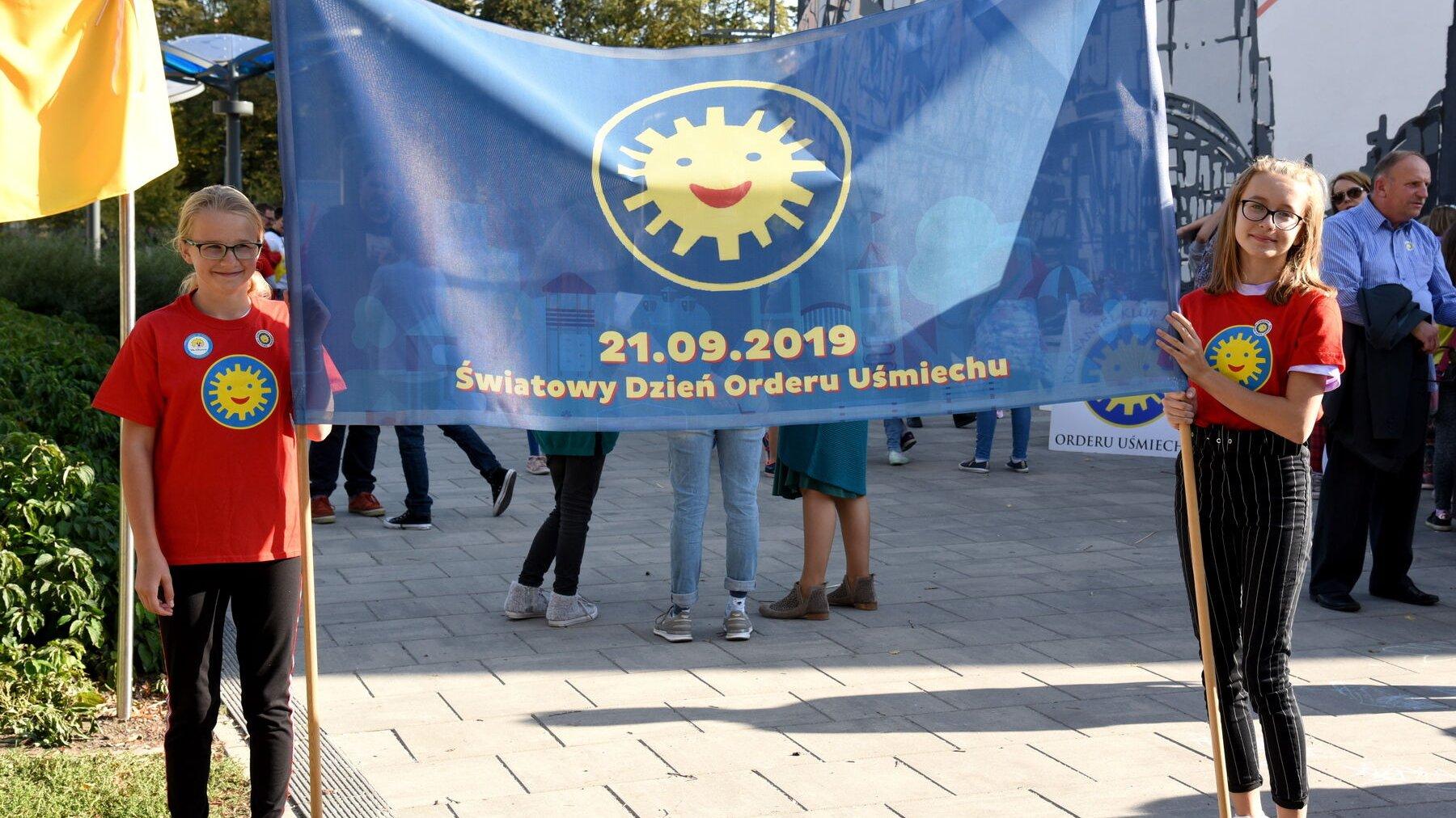 Alejka spacerowa w parku Starego Koryta Warty od soboty nosi imię Orderu Uśmiechu.